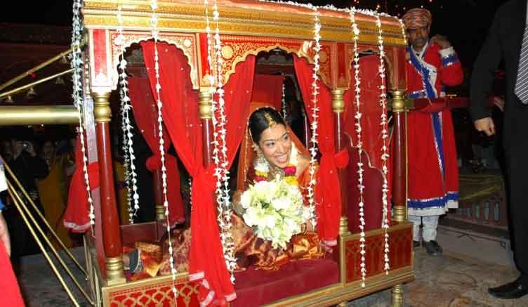 Royal Wedding Doli Photo Gallery-Hindu Wedding Doli